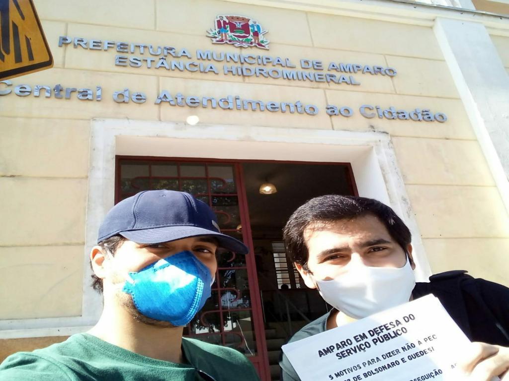 foto de PSOL Amparo faz panfletagem contra reformas administrativas