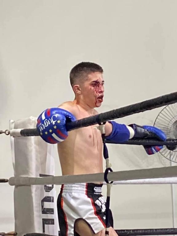 foto de Conrado Almeida vence luta no Campeonato Paulista de Muay Thai