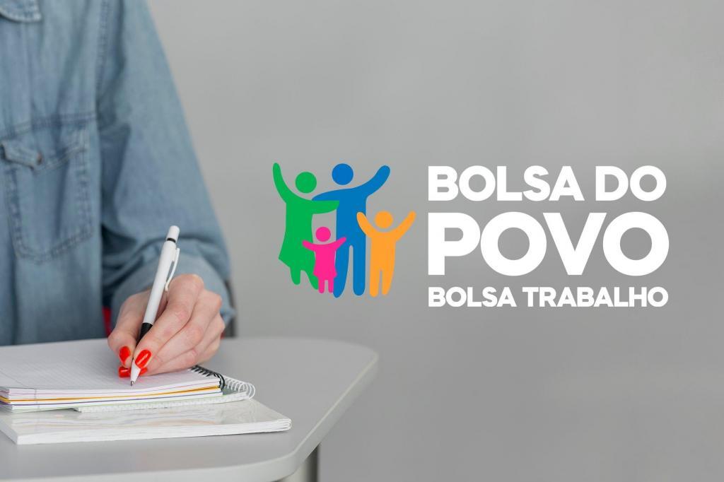 foto de Sebrae Aqui de Amparo auxilia que deseja se inscrever no Bolsa Trabalho