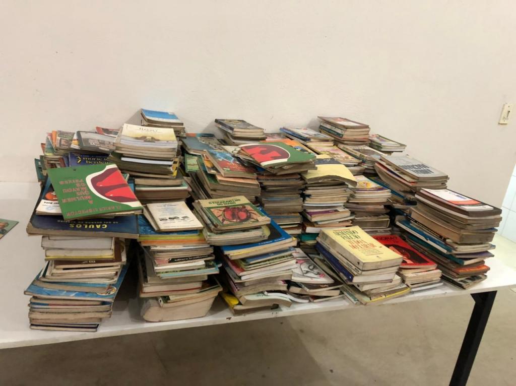 foto de Rotary Clube de Amparo recebe mil livros para o Projeto Ler