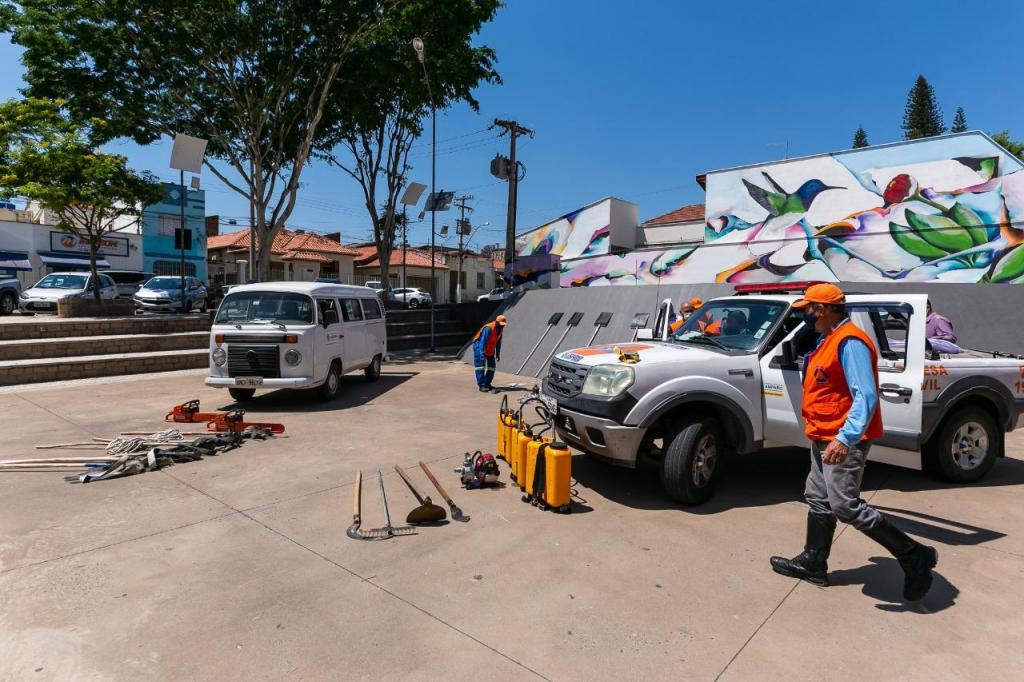foto de Defesa Civil recebe novos equipamentos de combate a incêndio
