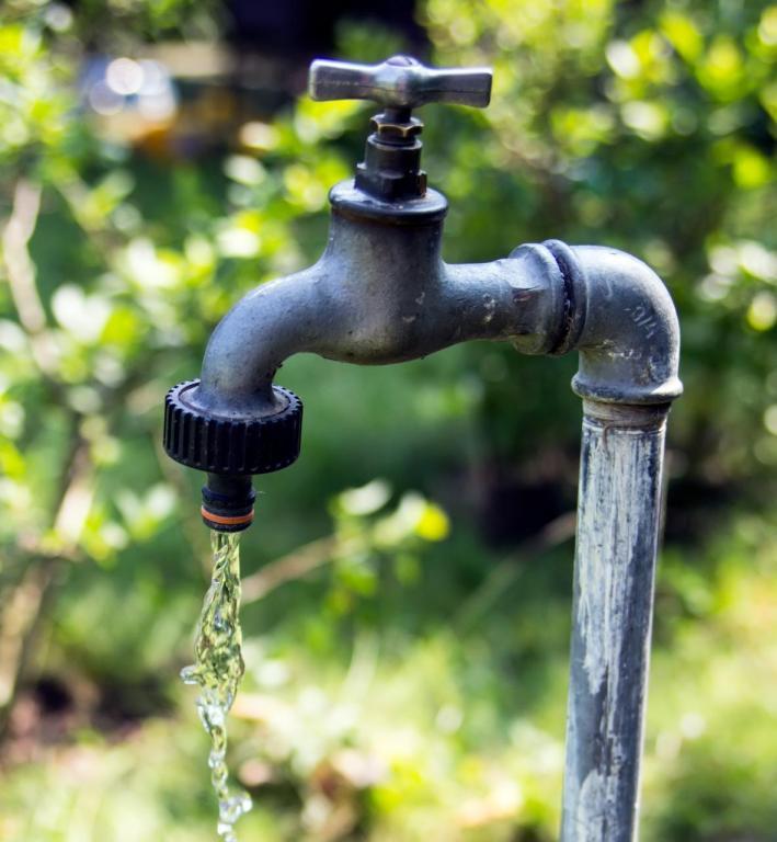 foto de Vereadores aprovam multa de R$ 1 mil para desperdício de água durante estado de emergência hídrica