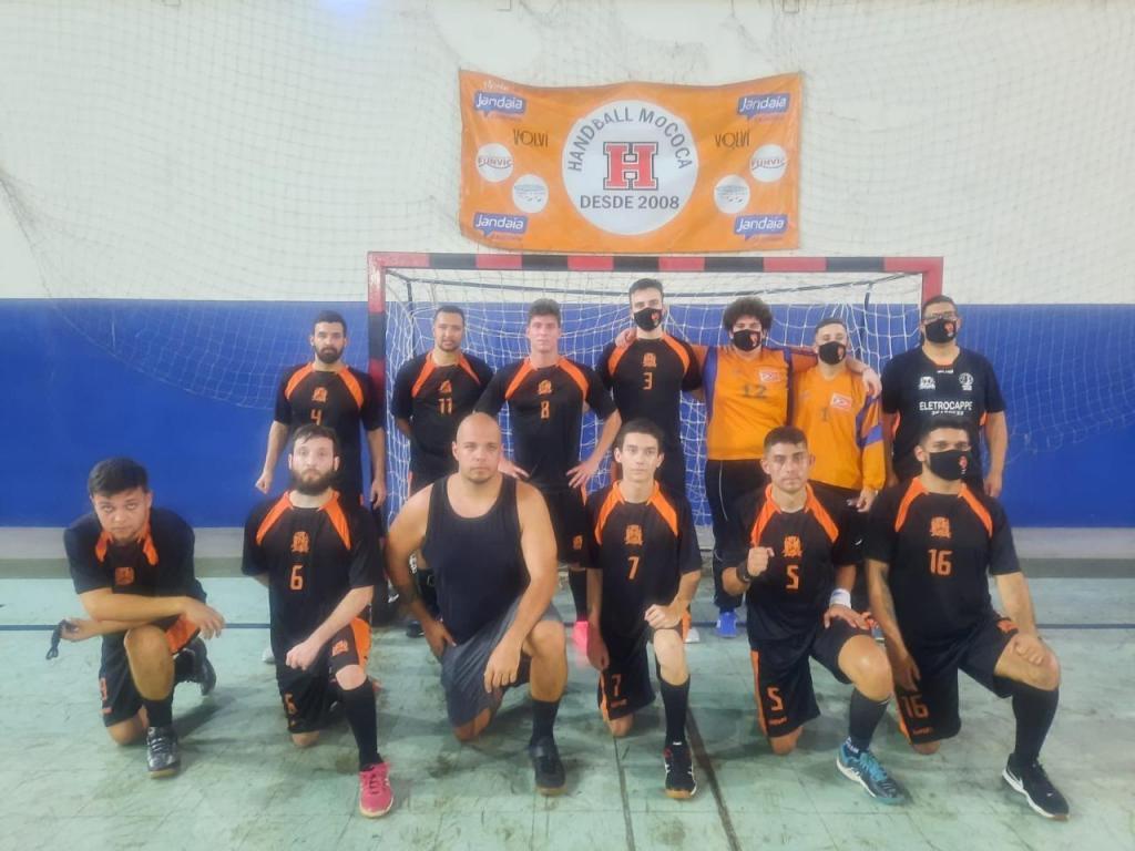 foto de Uma derrota e uma vitória para equipe de handebol de Amparo
